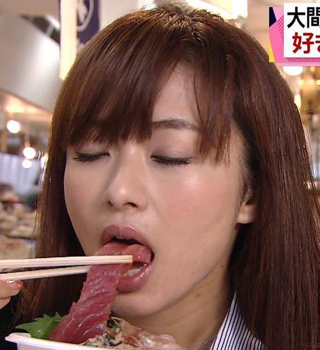 【疑似フェラキャプ画像】食レポなのに卑猥な食べ方してエロスを匂わすタレント達w 01