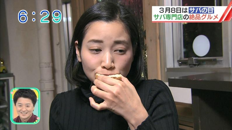 【疑似フェラキャプ画像】食レポで見せるタレント達の卑猥なエロ顔www