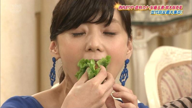 【疑似フェラキャプ画像】食レポで見せるタレント達の卑猥なエロ顔www 05