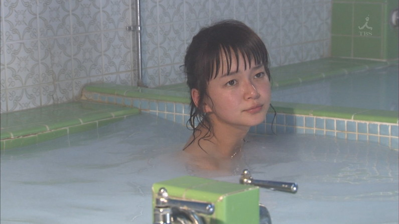 【入浴キャプ画像】セクシー女優が見せたドラマなどの入浴シーンww
