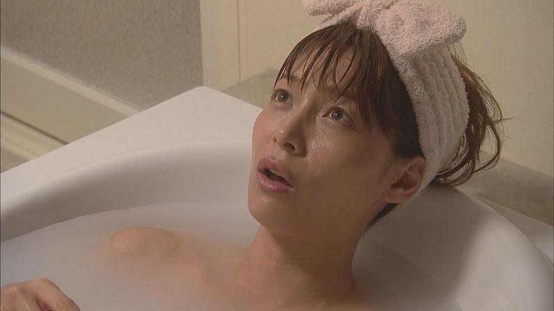 【入浴キャプ画像】セクシー女優が見せたドラマなどの入浴シーンww 11