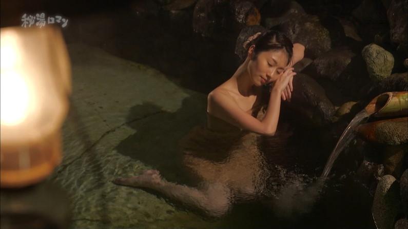 【温泉キャプ画像】オッパイしか目に入ってこないタレント達の温泉レポw 15
