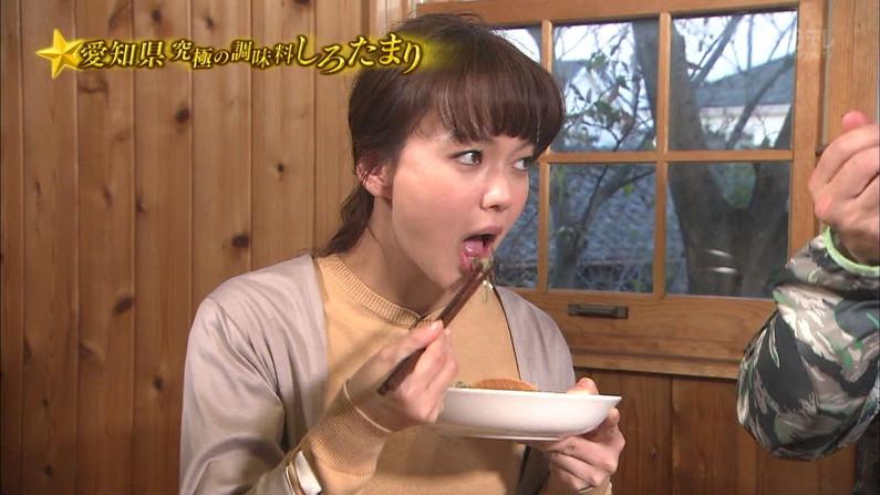【疑似フェラキャプ画像】食レポしながらフェラ顔晒しちゃうスケベなタレント達w 11