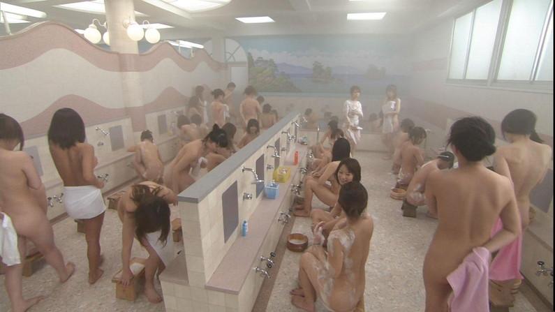 【温泉キャプ画像】ポロリチラリが一番期待度高まる温泉レポw 08