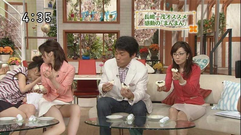 【パンチラキャプ画像】テレビなのにこれは確実にパンツ見えちゃってるだろww