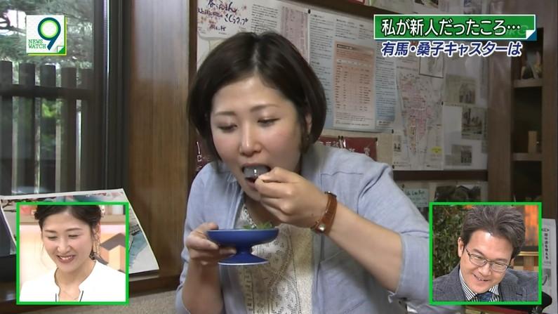 【疑似フェラキャプ画像】真剣に食レポやってるからこそエロく見えちゃうタレント達のフェラ顔w 22