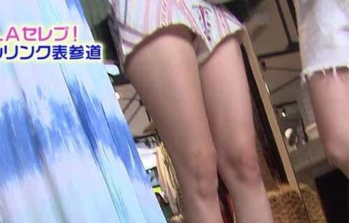 【パンチラキャプ画像】テレビでスカートの奥の方まで映っちゃってるぞww 20