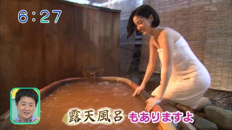 【温泉キャプ画像】ポロリの期待値高まる巨乳タレントの温泉レポww 20