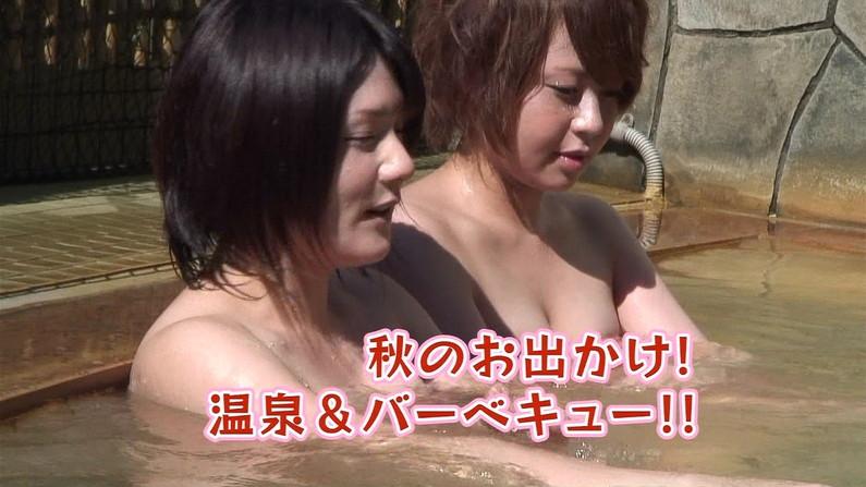 【温泉キャプ画像】合法的に女湯覗けるなんかテレビの温泉レポの時くらいしかないよなw