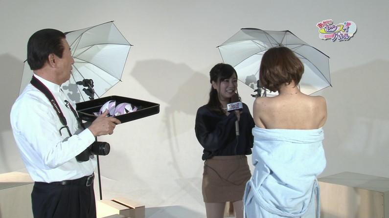 【お宝エロ画像】ケンコバをTバック美女が露骨なエロいポーズで誘惑しまくりw 24