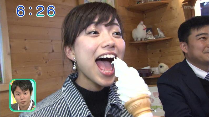 【疑似フェラキャプ画像】フェラ好きだと思われても仕方ない、タレント達のエロい食べ方ww 24