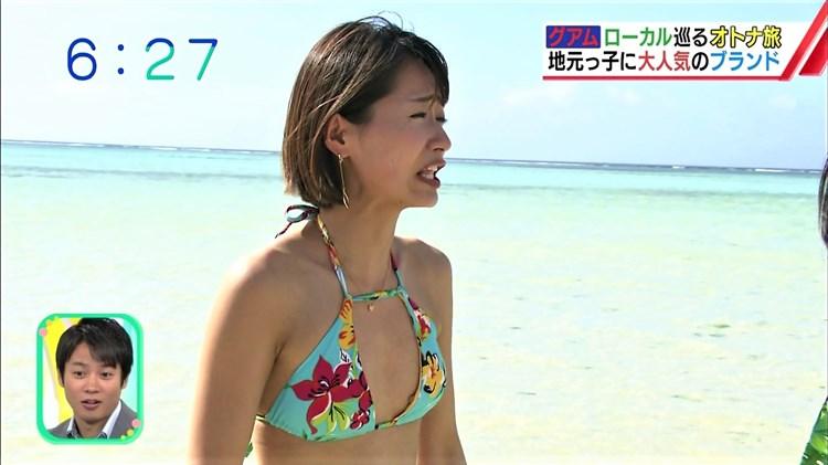 【水着キャプ画像】ナイスボディーのセクシータレントの水着姿がテレビで映りまくりw 24