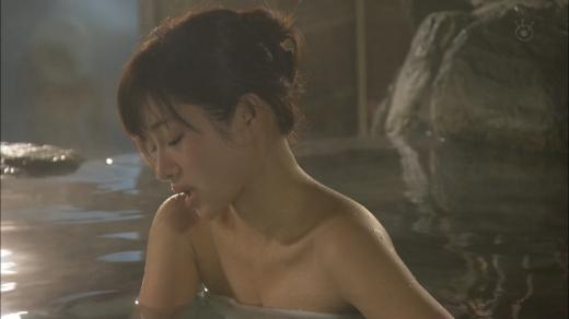 【温泉キャプ画像】温泉レポする女性タレントの姿ってやっぱエロいよなw 22