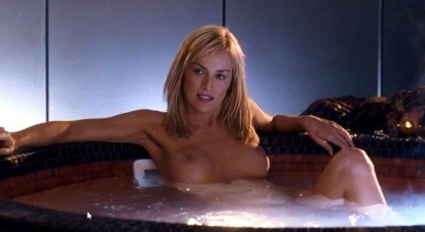 【お宝エロ画像】女優さんが濡れ場やベッドシーンでオッパイ丸出しで喘いでる姿が劇エロw 01