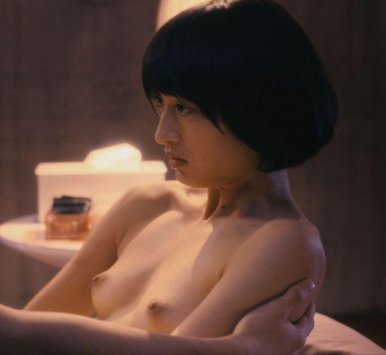 【お宝エロ画像】女優さんが濡れ場やベッドシーンでオッパイ丸出しで喘いでる姿が劇エロw 13