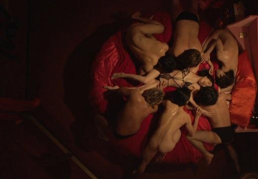 【お宝エロ画像】女優さんが濡れ場やベッドシーンでオッパイ丸出しで喘いでる姿が劇エロw 17