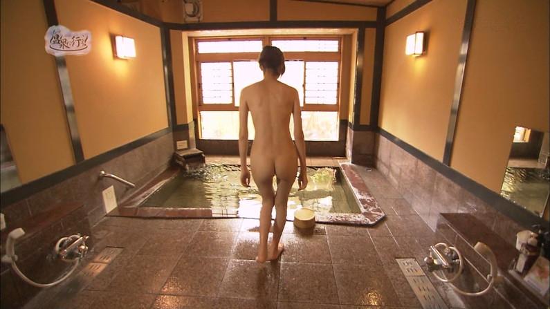 【温泉キャプ画像】美人タレントの入浴シーンなんてエロい目で見ないやついるの?ww 04