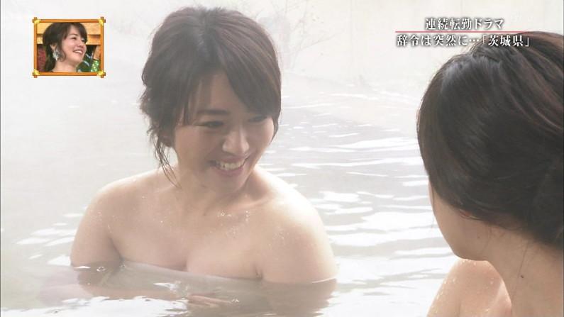 【温泉キャプ画像】温泉レポ見てるとやっぱりバスタオルからはみ出る乳房って気になるよなw 08