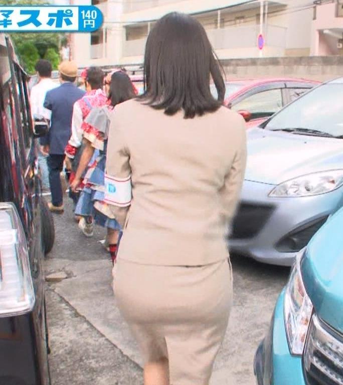 【お尻キャプ画像】タレント達のピタパン履いた後ろ姿がエロすぎて、お尻アングルなってるw 10