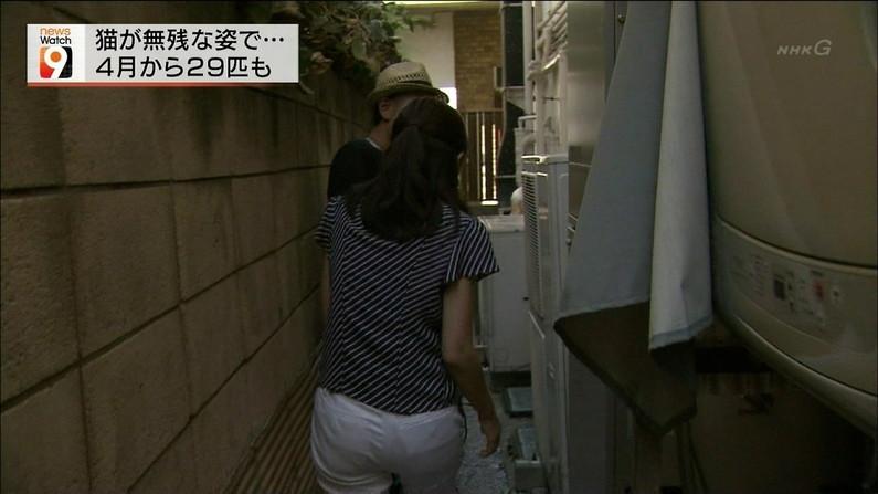 【お尻キャプ画像】タレント達のピタパン履いた後ろ姿がエロすぎて、お尻アングルなってるw 16