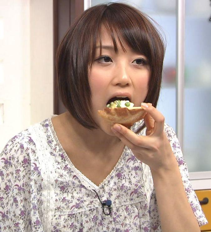 【疑似フェラキャプ画像】やっぱりタレント達が食レポすると卑猥な顔に見えるよなw 01