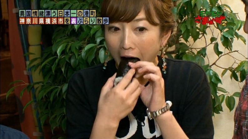 【疑似フェラキャプ画像】食レポでこんなエロい顔して視聴者の気を引こうとてるタレント達w 23