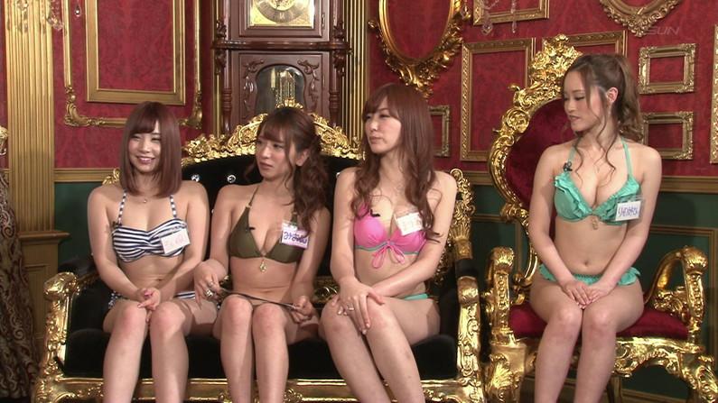 【お宝エロ画像】今回のバコバコTVはTバック美女だらけw美女のお尻が丸見えにww