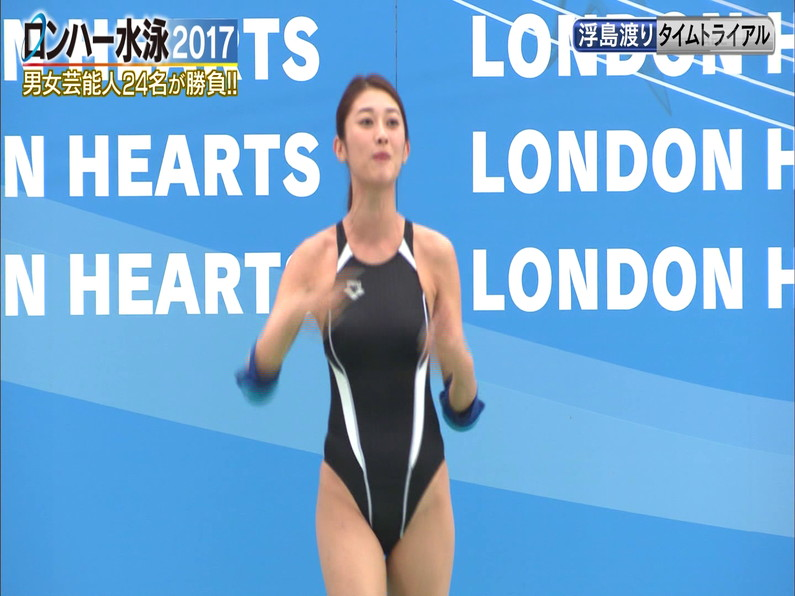 【お宝キャプ画像】ロンドンハーツの水泳大会で競泳水着が食い込みまくってやばいことにww 13