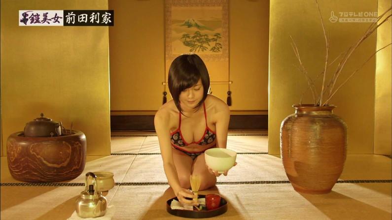 【水着キャプ画像】今年の夏もそろそろ巨乳の水着美女がテレビに映り始めるぞww 08