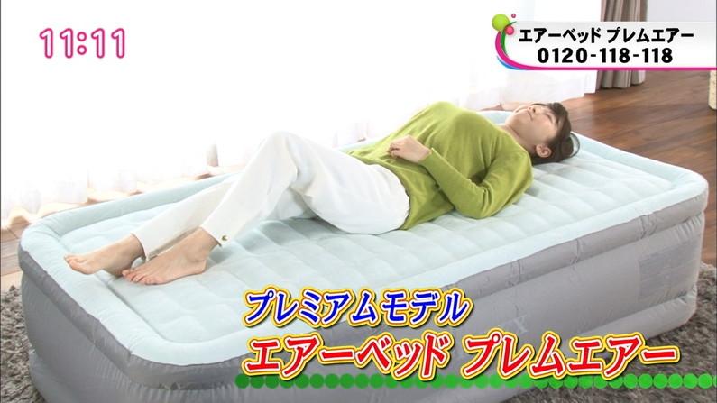 【寝顔キャプ画像】テレビで無防備な寝姿を披露されちゃったタレント達w 20
