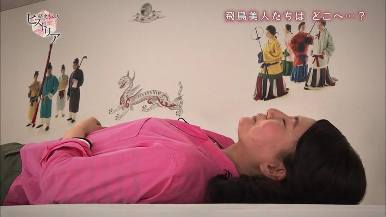 【寝顔キャプ画像】テレビで無防備な寝姿を披露されちゃったタレント達w 21