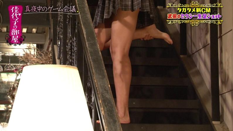 【太ももキャプ画像】タレントさん達のエロい美脚見てたら思わず舐め回したくなるなw 12