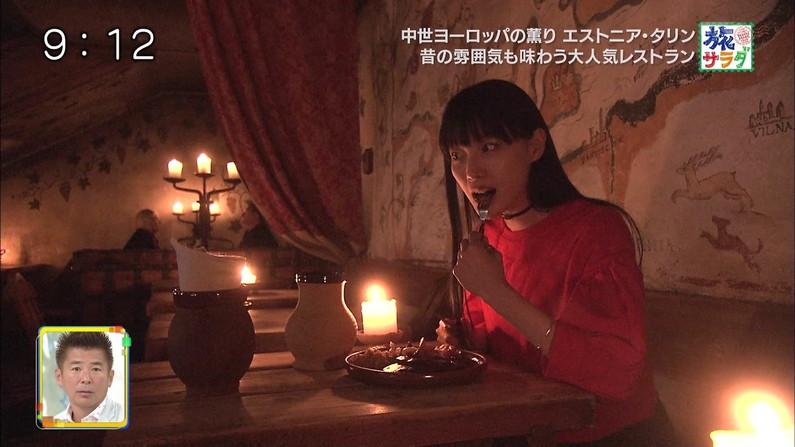 【疑似フェラキャプ画像】食レポでそんなエロい顔して一体何を考えてるんでしょうね?w 19
