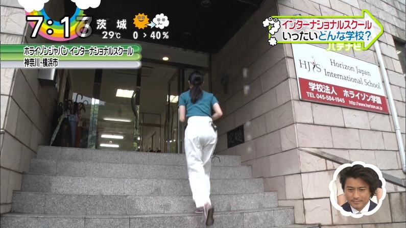 【お尻キャプ画像】ピタパン履いたお尻の形がくっきりなタレント達w 09