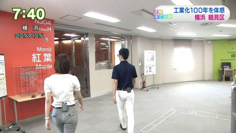 【お尻キャプ画像】ピタパン履いたお尻の形がくっきりなタレント達w 14