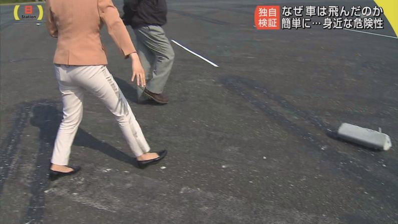 【お尻キャプ画像】ピタパン履いたお尻の形がくっきりなタレント達w 17