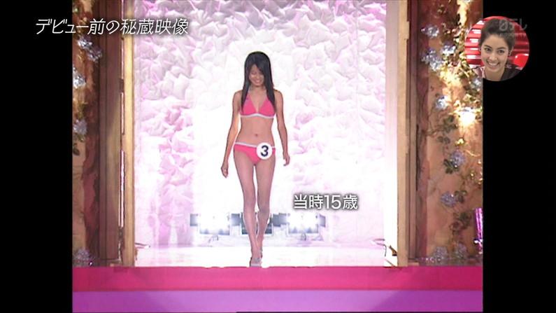 【水着キャプ画像】早くも今年の流行りの水着がテレビに紹介されだしたぞw 16