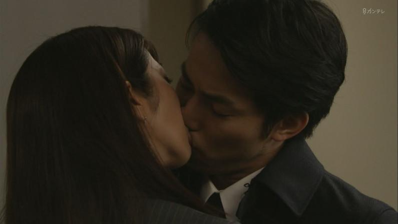 【キステレビキャプ画像】見てるこっちがドキドキしちゃうドラマなどのキスシーンやキス顔w 15
