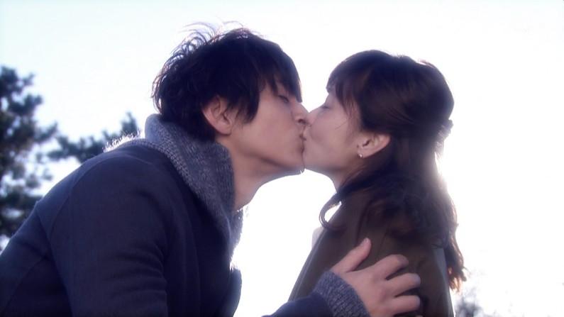 【キステレビキャプ画像】見てるこっちがドキドキしちゃうドラマなどのキスシーンやキス顔w 20