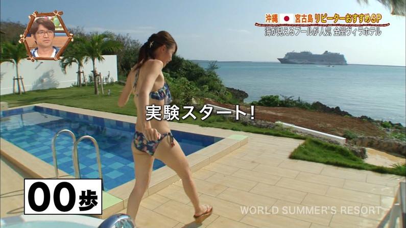 【お尻キャプ画像】水着姿や下着姿でテレビに出る美女達のハミ尻がたまらんw 10