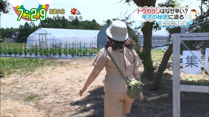 【お尻キャプ画像】お尻のライン丸わかりなピタパン履いてるタレント達のお尻エロww 12