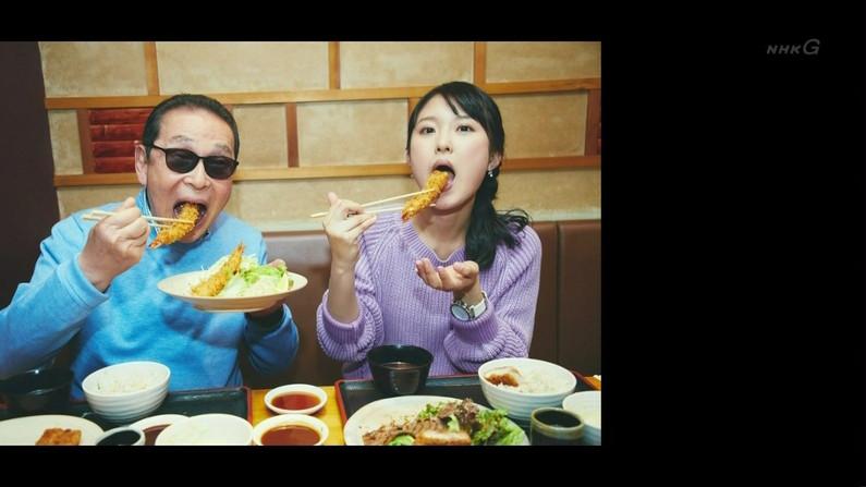 【疑似フェラキャプ画像】大きな口開けてドスケベな顔しながら食レポしちゃうタレント達w 13