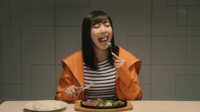 【疑似フェラキャプ画像】食レポするタレント達の表情が、どう見てもフェラ顔にしか見えないw