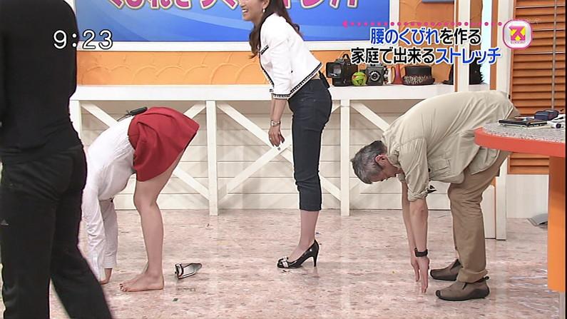 【太ももキャプ画像】テレビで露出するそのエロい太ももで膝枕させてとお願いしたくなるw 13