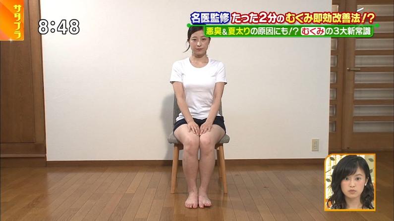 【太ももキャプ画像】テレビで露出するそのエロい太ももで膝枕させてとお願いしたくなるw 17