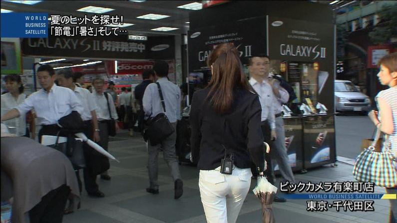 【お尻キャプ画像】タレント達がピタパン履いてパン線まで見せまくりww 17