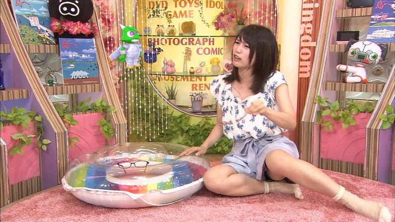 【パンチラキャプ画像】チラどころではなく、テレビでガッツリパンツ見えちゃってるw 08