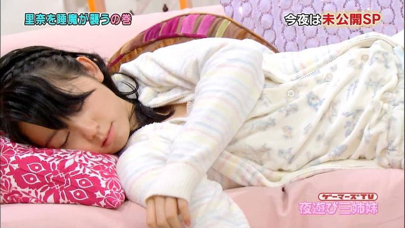 【寝顔キャプ画像】タレント達の無防備な寝姿に思わず夜這い仕掛けたくあるw 10