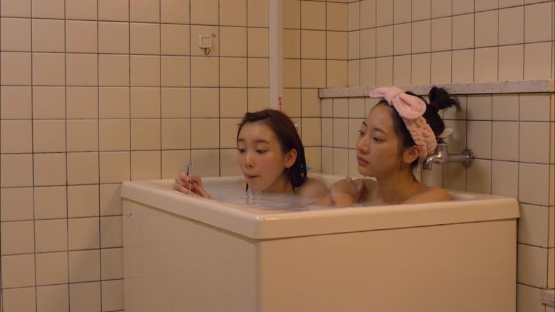 【温泉キャプ画像】何が起こるかわからない!美人なタレントさん達の入浴シーンww