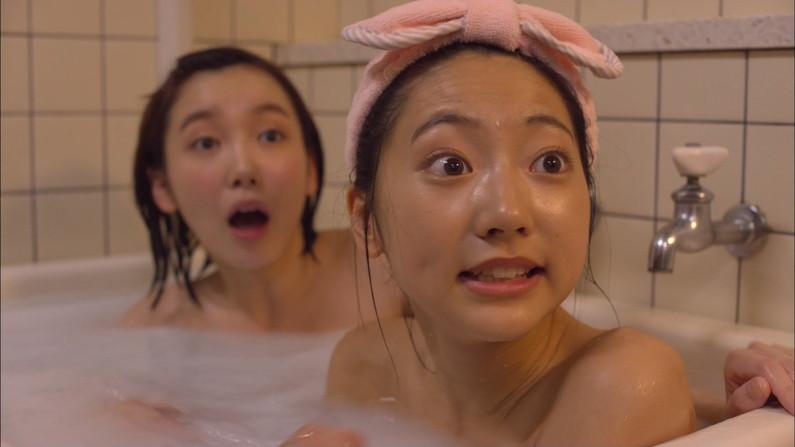 【温泉キャプ画像】何が起こるかわからない!美人なタレントさん達の入浴シーンww 01